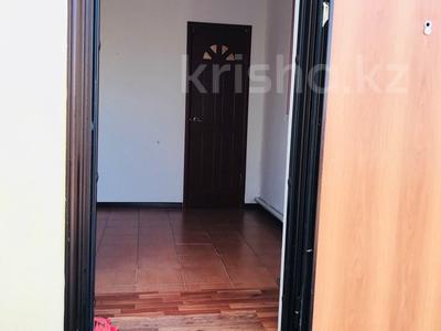 2-комнатный дом, 80 м², 8 сот., мкр Водников-2 15 за 10 млн 〒 в Атырау, мкр Водников-2 — фото 4