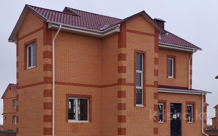 5-комнатный дом, 136 м², 7.4 сот., Микрорайон Уркер 296 за 27.2 млн 〒 в Нур-Султане (Астана), Есильский р-н