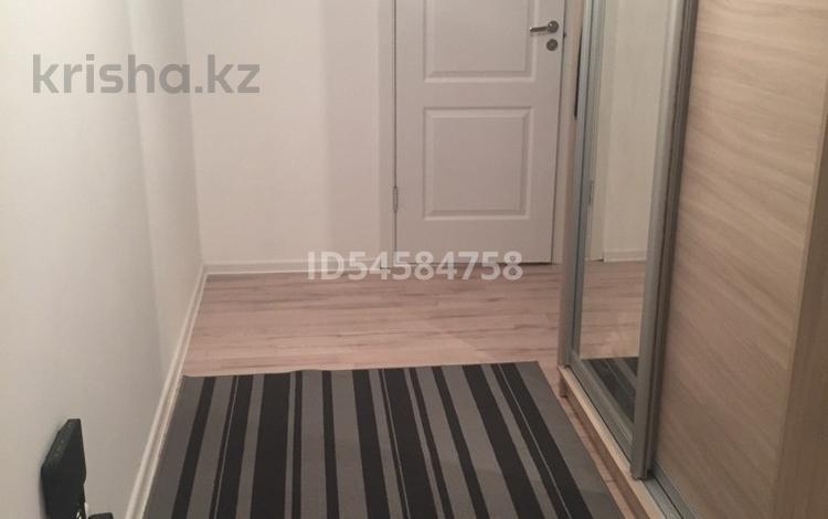 1-комнатная квартира, 40 м², 11/16 этаж, Мухамедханова 17 за 14.8 млн 〒 в Нур-Султане (Астана), Есиль р-н