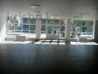 Магазин площадью 310 м², Жургенова 7 за 83 млн ₸ в Атырау — фото 2