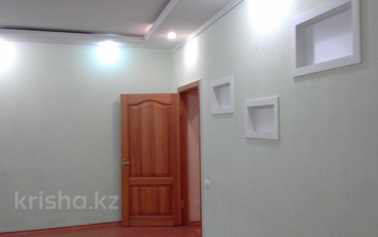 3-комнатная квартира, 58 м², 1/2 этаж помесячно, Жамбыла 8 — Костенко за 110 000 〒 в Караганде, Казыбек би р-н