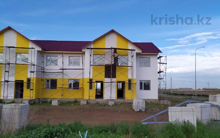 4-комнатный дом, 102 м², 2 сот., Рабиги Есимжановой 255 за ~ 21.9 млн 〒 в Нур-Султане (Астана), Есильский р-н