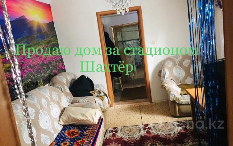 6-комнатный дом, 88.6 м², 8 сот., Олимпийская за 8 млн ₸ в Караганде, Казыбек би р-н