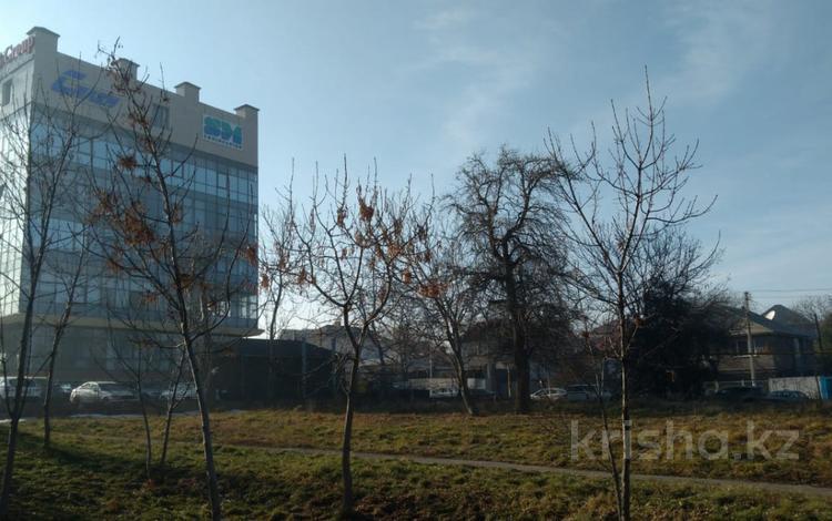 Участок 16 соток, Радлова — Аль-Фараби за 117 млн 〒 в Алматы, Медеуский р-н
