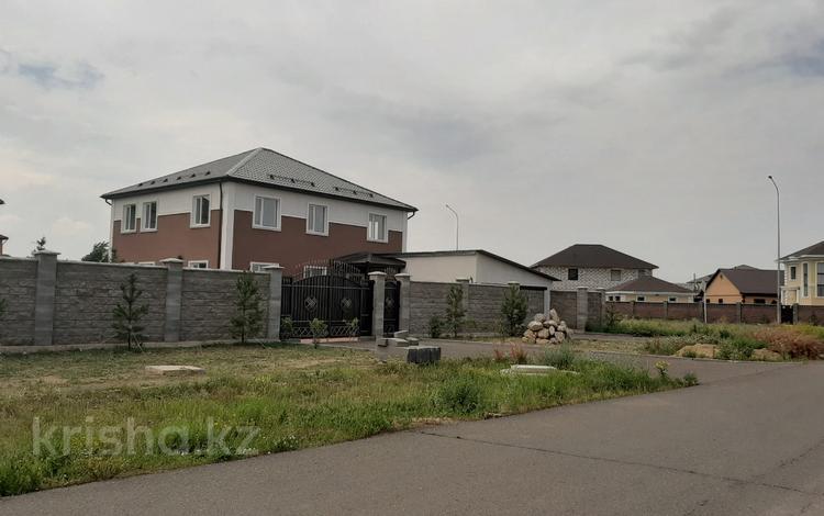 5-комнатный дом, 280 м², 10 сот., Микрорайон Уркер за 48 млн 〒 в Нур-Султане (Астана), Есильский р-н