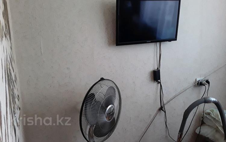 1-комнатная квартира, 13 м², 4/5 этаж, Ружейникова 9 — Гагарина и Ружейникова за 2 млн 〒 в Уральске