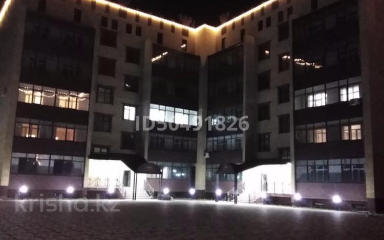 4-комнатная квартира, 278 м², 4/6 этаж, Батыс 2 51Б за ~ 47.8 млн 〒 в Актобе, мкр. Батыс-2