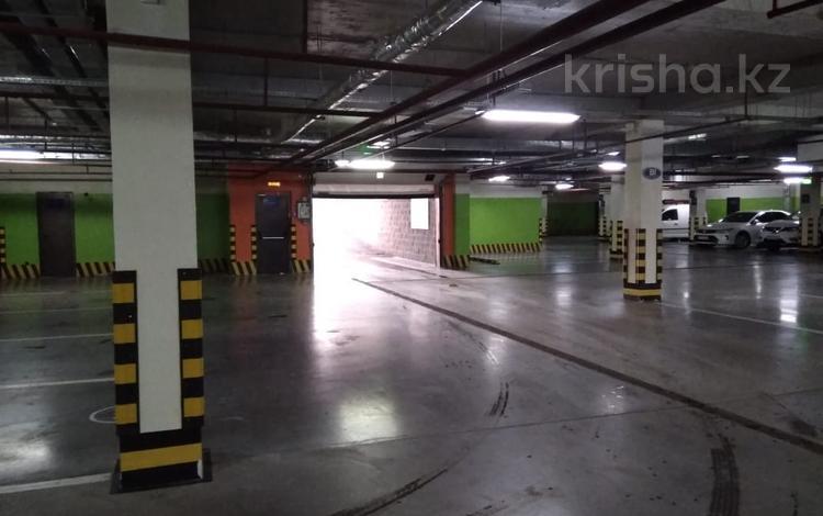 Паркинг за ~ 1.1 млн ₸ в Астане, Есильский р-н
