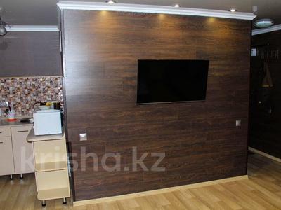 1-комнатная квартира, 36 м², 3 эт. посуточно, Алиханова 38/3 за 7 000 ₸ в Караганде, Казыбек би р-н — фото 2