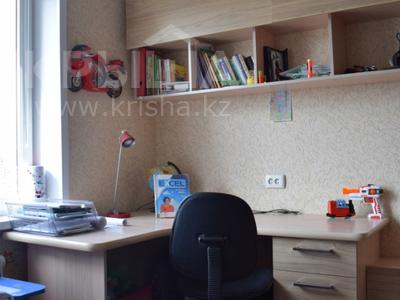 3-комнатная квартира, 68 м², 9/9 эт., проспект Тауелсыздык 34 за 12 млн ₸ в Павлодаре — фото 5