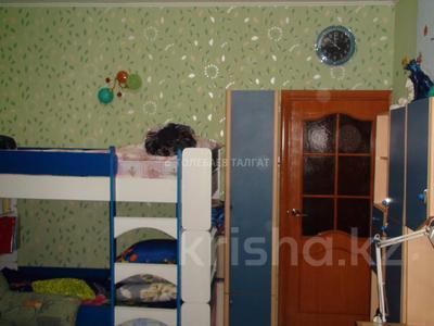2-комнатная квартира, 57 м², 7/9 этаж, мкр Аксай-5 — Бауыржана Момышулы за 22.5 млн 〒 в Алматы, Ауэзовский р-н — фото 3