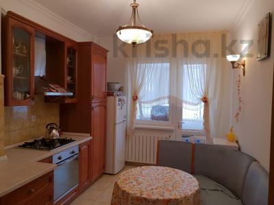 2-комнатная квартира, 63 м², 4/9 эт. помесячно, Сатпаева 29 за 350 000 ₸ в Атырау — фото 2