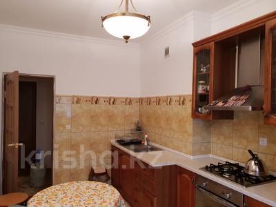 2-комнатная квартира, 63 м², 4/9 эт. помесячно, Сатпаева 29 за 350 000 ₸ в Атырау — фото 3