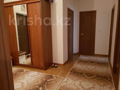2-комнатная квартира, 63 м², 4/9 эт. помесячно, Сатпаева 29 за 350 000 ₸ в Атырау — фото 8