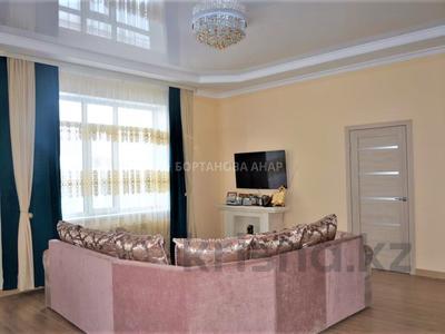 7-комнатный дом, 260 м², 10 сот., Саттара Ерубаева за 42 млн 〒 в Нур-Султане (Астана), Есиль — фото 2
