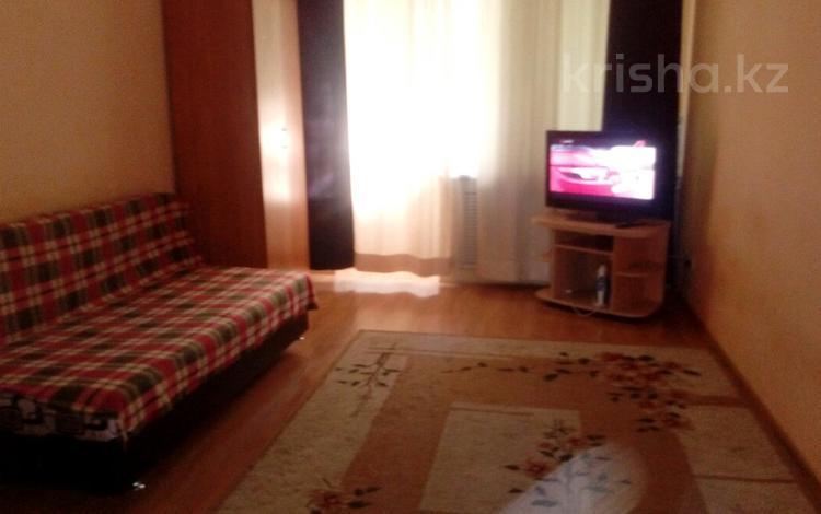 2-комнатная квартира, 60 м², 3/4 этаж посуточно, мкр №9, Мкр 9 — Шаляпина за 9 000 〒 в Алматы, Ауэзовский р-н