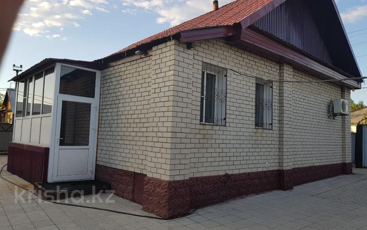 3-комнатный дом, 70 м², 8 сот., Линейная — Пушкина за 8.8 млн 〒 в Усть-Каменогорске