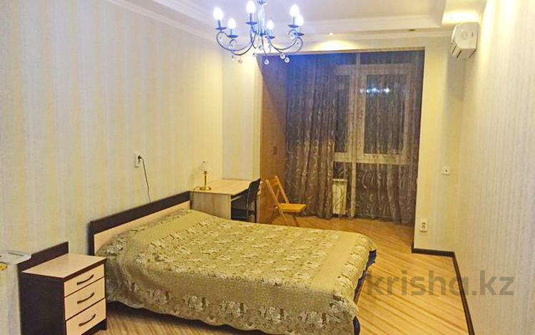 3-комнатная квартира, 110 м² помесячно, Калдаякова 79 — Богенбай батыра за 300 000 ₸ в Алматы, Медеуский р-н
