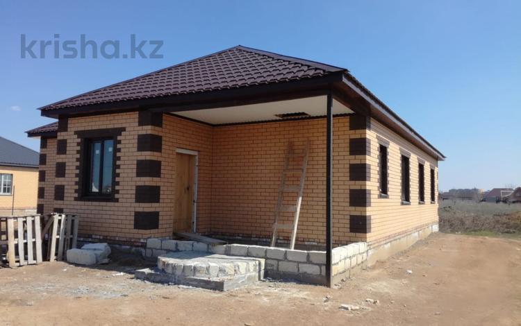 4-комнатный дом, 140 м², 6.5 сот., Единства — Кендала за 24 млн 〒 в Уральске