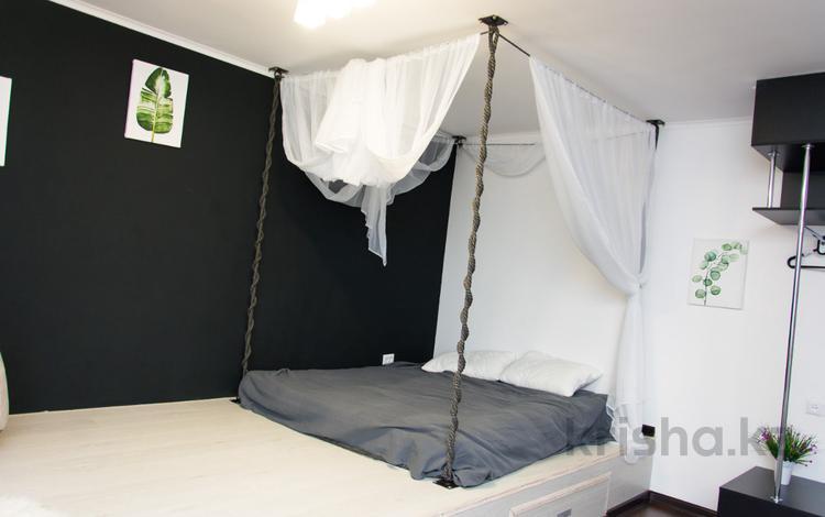 1-комнатная квартира, 30 м², 1/5 эт. посуточно, Ерубаева 50/2 за 9 999 ₸ в Караганде, Казыбек би р-н