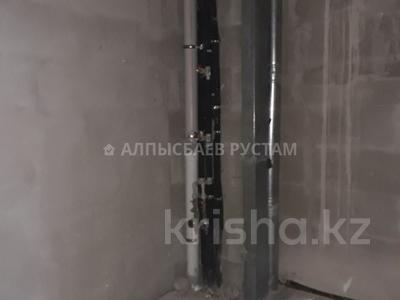 2-комнатная квартира, 74 м², 2/16 этаж, проспект Тауелсыздык за 27 млн 〒 в Нур-Султане (Астана), Алматы р-н — фото 13