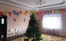 10-комнатный дом поквартально, 500 м², 10 сот., мкр Таусамалы, Бектембаева 44 за 700 000 ₸ в Алматы, Наурызбайский р-н