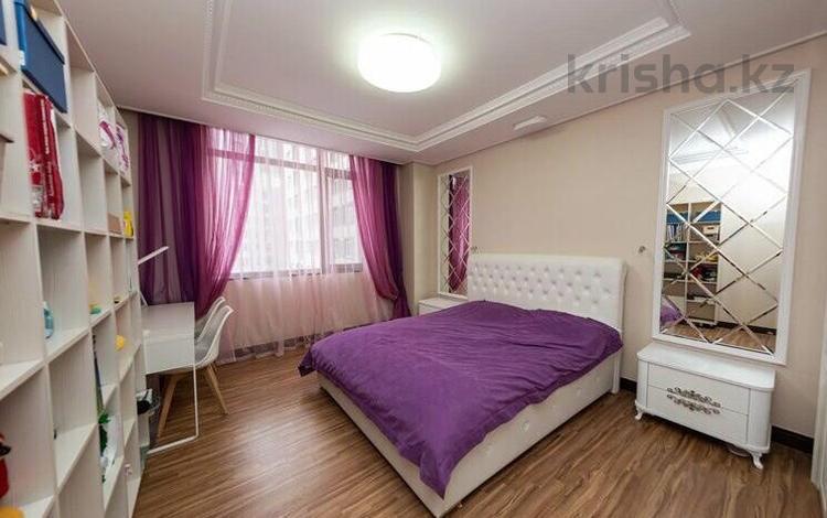 4-комнатная квартира, 137 м², 15/25 этаж, Кошкарбаева за 79 млн 〒 в Нур-Султане (Астана)