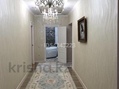 4-комнатная квартира, 114 м², 3/7 этаж, 34-й мкр 2 — Дороги за 30.5 млн 〒 в Актау, 34-й мкр