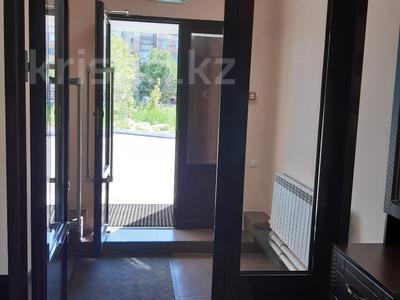 Офис площадью 313 м², Муканова за 3 800 〒 в Караганде, Казыбек би р-н — фото 9