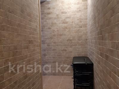 Офис площадью 313 м², Муканова за 3 800 〒 в Караганде, Казыбек би р-н — фото 6