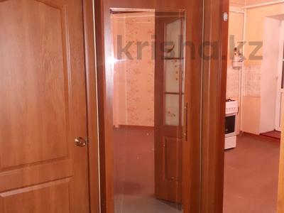 1-комнатная квартира, 45 м², 2/5 эт. помесячно, Кизатова 3 — Жукова за 45 000 ₸ в Петропавловске — фото 2