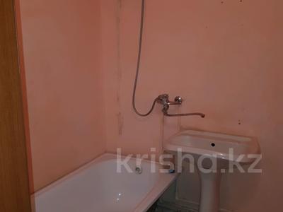 1-комнатная квартира, 45 м², 2/5 эт. помесячно, Кизатова 3 — Жукова за 45 000 ₸ в Петропавловске — фото 4