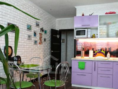 2-комнатная квартира, 63 м², 2/9 эт., мкр Мамыр-4 301 — проспект Абая-улица Саина за 32 млн ₸ в Алматы, Ауэзовский р-н