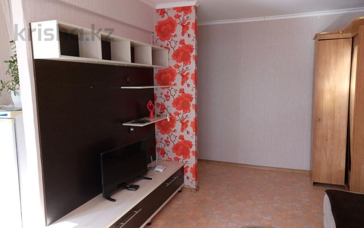1-комнатная квартира, 34 м² посуточно, 45 аптека - ВКГУ за 5 000 〒 в Усть-Каменогорске