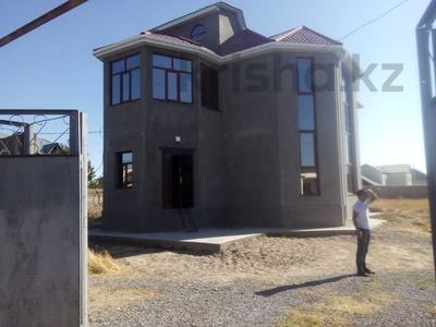 8-комнатный дом, 200 м², 21 сот., Каратауский р-н за 70 млн ₸ в Шымкенте, Каратауский р-н