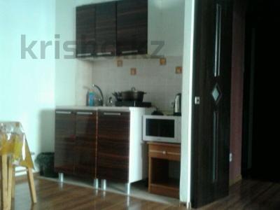 1-комнатная квартира, 45 м², 2/12 этаж посуточно, Сауран 3/1 за 7 000 〒 в Нур-Султане (Астана), Есильский р-н — фото 2