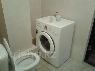 1-комнатная квартира, 45 м², 2/12 этаж посуточно, Сауран 3/1 за 7 000 〒 в Нур-Султане (Астана), Есильский р-н — фото 3