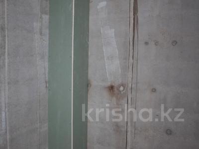 2-комнатная квартира, 61 м², 3/19 эт., Касыма Аманжолова за 23 млн ₸ в Нур-Султане (Астана), Алматинский р-н — фото 11