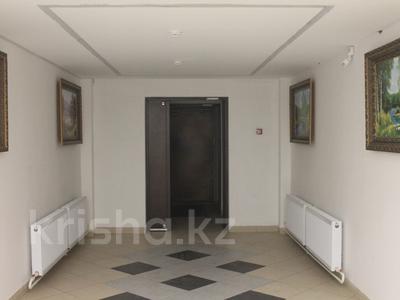 2-комнатная квартира, 61 м², 3/19 эт., Касыма Аманжолова за 23 млн ₸ в Нур-Султане (Астана), Алматинский р-н — фото 3