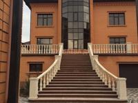 7-комнатный дом, 1039 м², 10 сот.