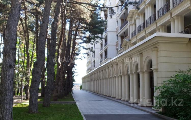 7-комнатная квартира, 420 м², Оспанова 69/2 — проспект Достык за 590 млн 〒 в Алматы, Медеуский р-н