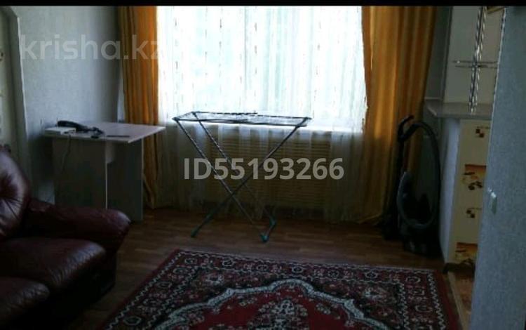 1-комнатная квартира, 34 м², 2/5 этаж, проспект Казыбек би 28 за 7.9 млн 〒 в Усть-Каменогорске