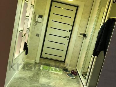 4-комнатная квартира, 110 м², 2/5 эт. помесячно, Тулебаева 149 — Шевченко за 300 000 ₸ в Алматы, Медеуский р-н — фото 4