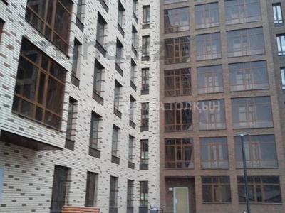 4-комнатная квартира, 107 м², 2 этаж, Кайыма Мухамедханова — Е32 за ~ 33.2 млн 〒 в Нур-Султане (Астана), Есиль р-н