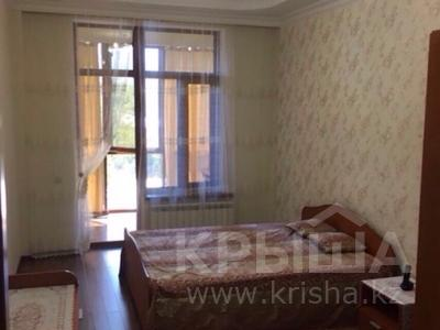 3-комнатная квартира, 100 м², 7/9 этаж по часам, мкр Аксай-1 7 — Толе би-Сайна за 2 000 〒 в Алматы, Ауэзовский р-н