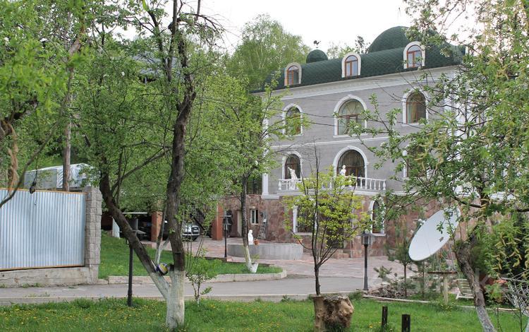 10-комнатный дом, 750 м², 40 сот., мкр Каменское плато, Ладушкина 120 за 350 млн ₸ в Алматы, Медеуский р-н