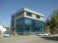 Здание площадью 1411 м²