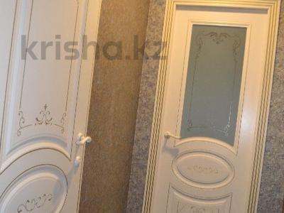 2-комнатная квартира, 50 м², 11/13 эт. помесячно, Ленина 61/2 за 160 000 ₸ в Караганде, Казыбек би р-н — фото 6