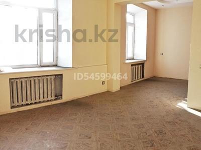 2-комнатная квартира, 50.3 м², 2/4 этаж, Бульвар Мира 26 за 13 млн 〒 в Караганде, Казыбек би р-н