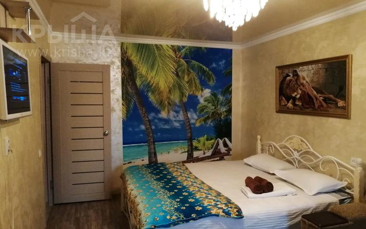 1-комнатная квартира, 32 м², 2/5 эт. посуточно, Усербаева 19 — Токмаганбетова за 8 000 ₸ в